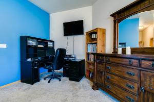 28 master bedroom office nook