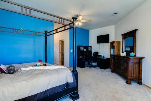 29 master bedroom and nook