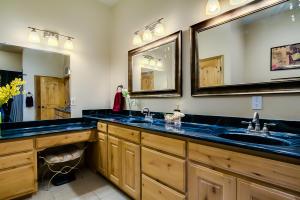 31 master bath sinks and vanity