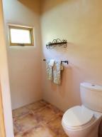 BR2 Bath w/Shower
