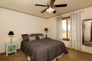 46 Placitas Trails Bedroom 2