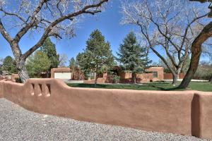 Property for sale at 4139 Dietz Farm Circle, Los Ranchos,  NM 87107