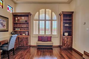 8420 Florence NE - Built-in Bookshelves