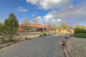 Property for sale at 207 Lagunitas Road SW, Albuquerque,  NM 87105