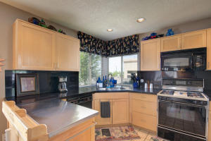 6817 MEDINAH LANE NE, ALBUQUERQUE, NM 87111  Photo 7