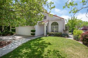 6817 MEDINAH LANE NE, ALBUQUERQUE, NM 87111  Photo 1