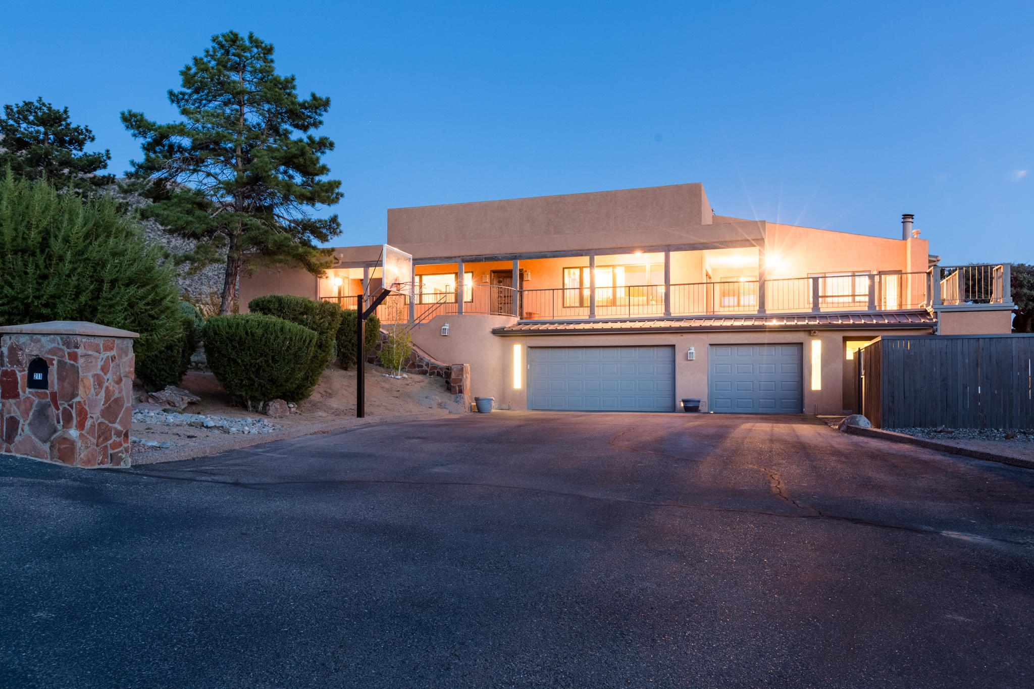 211 SPRING CREEK DRIVE NE, ALBUQUERQUE, NM 87122
