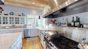 Baccarat Kitchen2