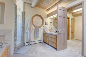 g2 en suite bathroom