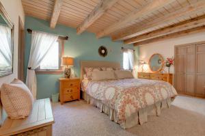 h2 Bedroom
