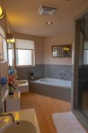 13Master Bath