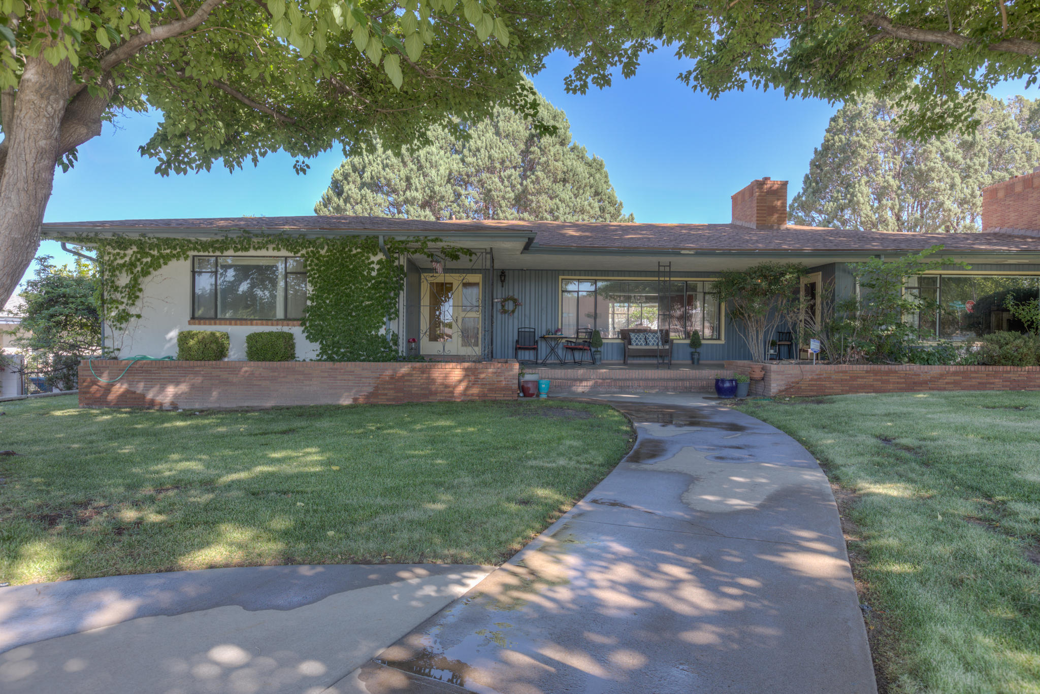 4215 AVENIDA LA RESOLANA NE, ALBUQUERQUE, NM 87110