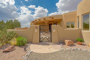 8 Valley View Crt-2