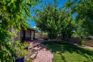 Property for sale at 801 Charles Place NW, Los Ranchos,  NM 87107