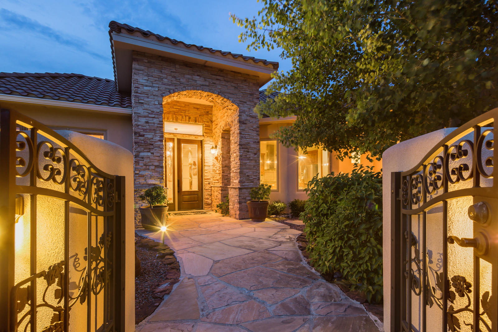 18 Coyote Canyon,Tijeras,New Mexico,United States 87059,4 Bedrooms Bedrooms,3 BathroomsBathrooms,Residential,Coyote Canyon,924552