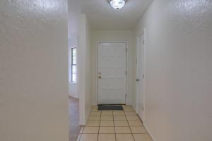 6440 CONCORDIA ROAD NE, ALBUQUERQUE, NM 87111  Photo 3