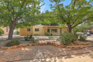 Property for sale at 817 La Veta Drive NE, Albuquerque,  NM 87108