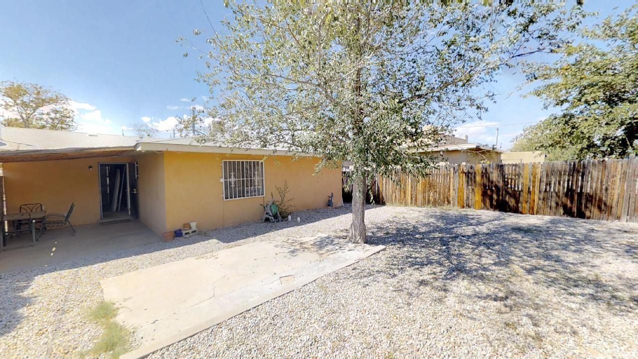 Photo of 512 Girard Boulevard SE, Albuquerque, NM 87106