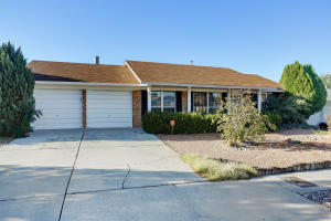 8204 RUIDOSO ROAD NE, ALBUQUERQUE, NM 87109  Photo 1