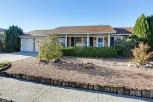 8204 RUIDOSO ROAD NE, ALBUQUERQUE, NM 87109  Photo 2