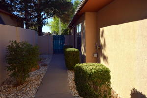 10909 HAINES AVENUE NE, ALBUQUERQUE, NM 87112  Photo 4