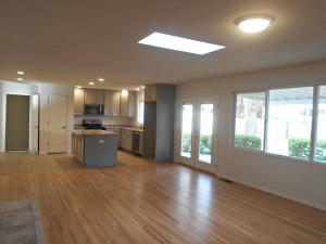 7012 COMANCHE STREET NE, ALBUQUERQUE, NM 87110  Photo 2