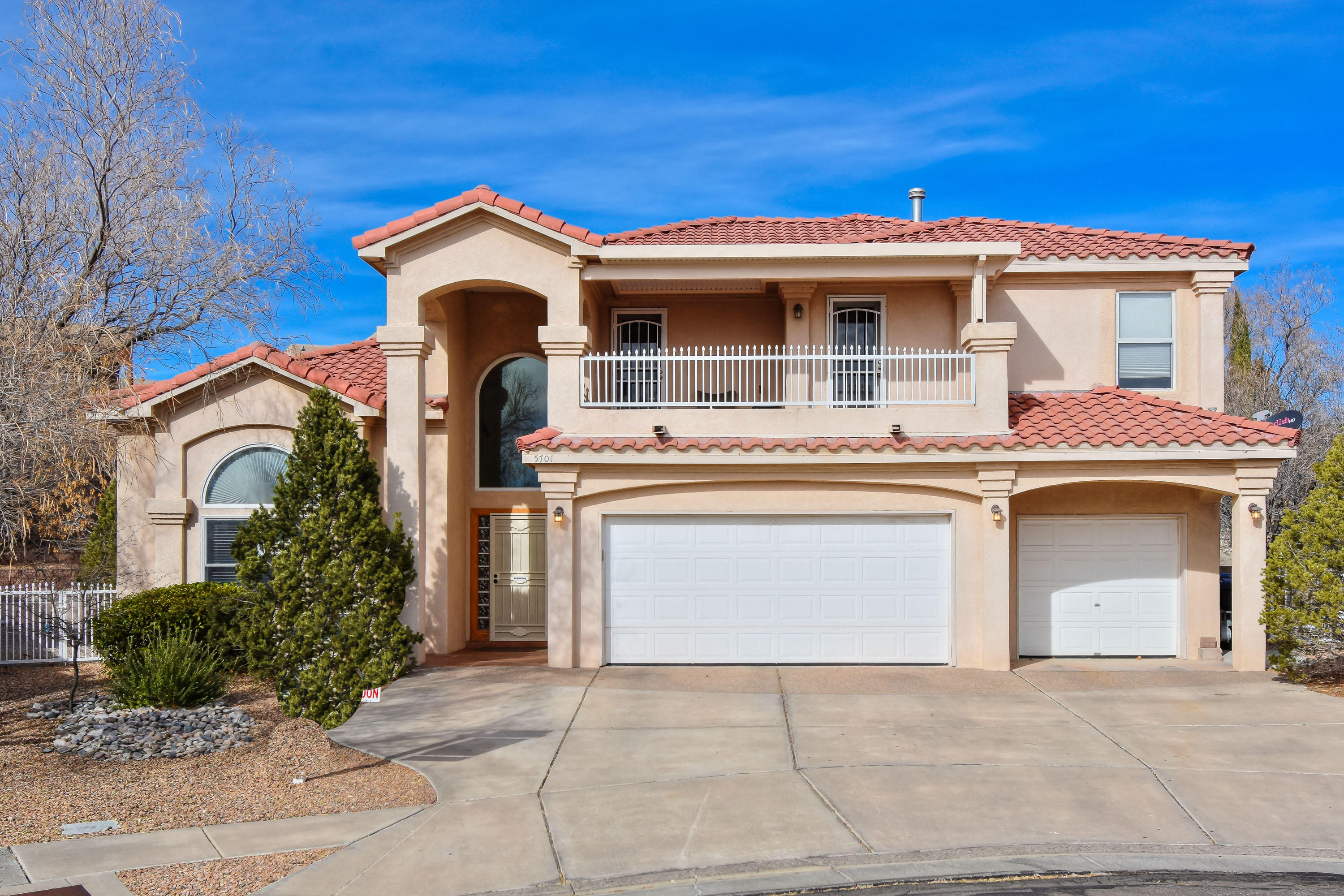 Northwest Albuquerque and Northwest Heights Homes for Sale -  Cul De Sac,  5701 NW La Colonia Drive