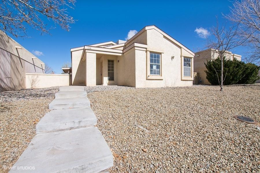 1705 NE Skyview Circle, Rio Rancho in Sandoval County, NM 87144 Home for Sale