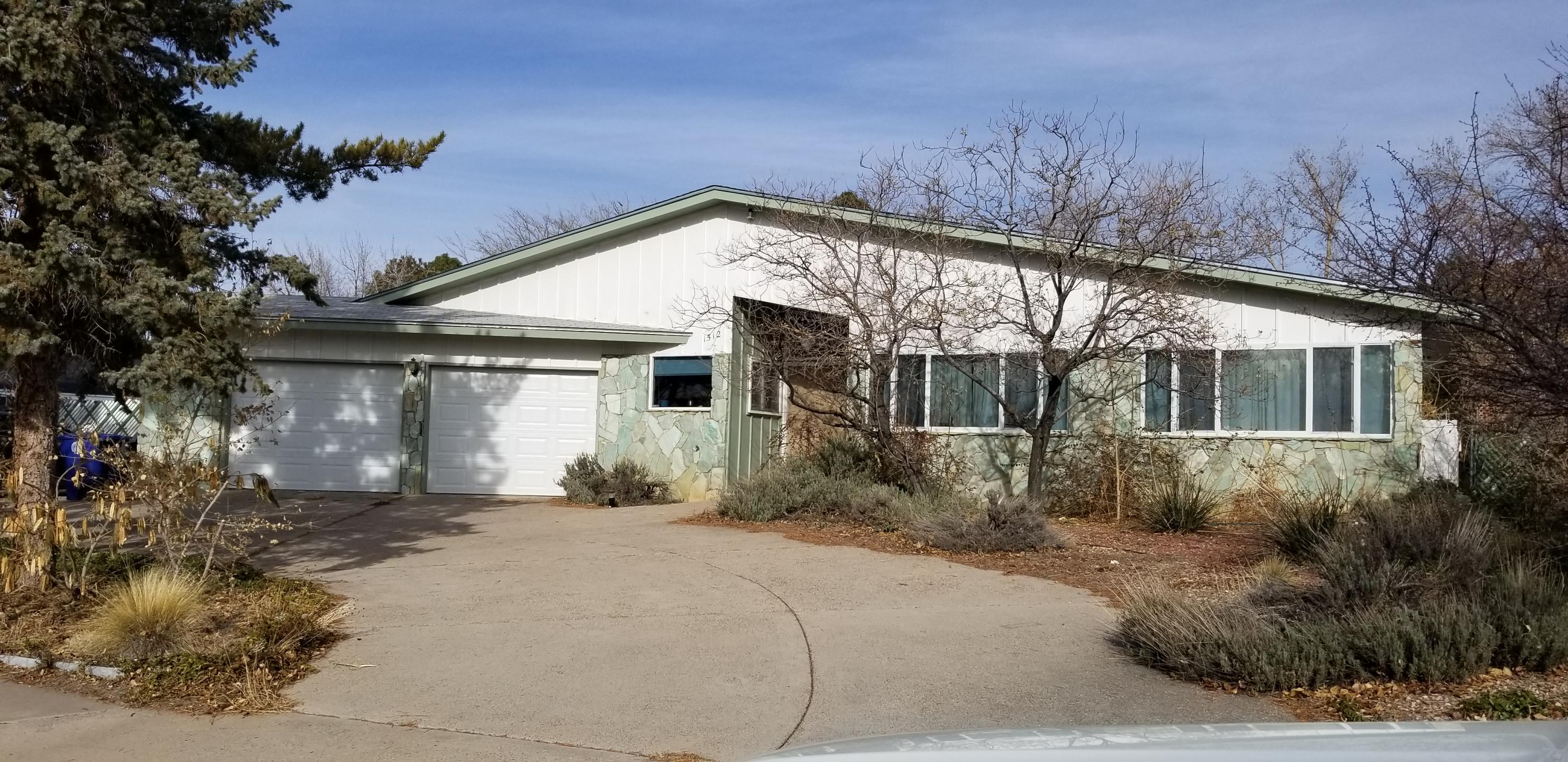1512 NE Cedar Ridge Drive, Albuquerque Northeast Heights, New Mexico