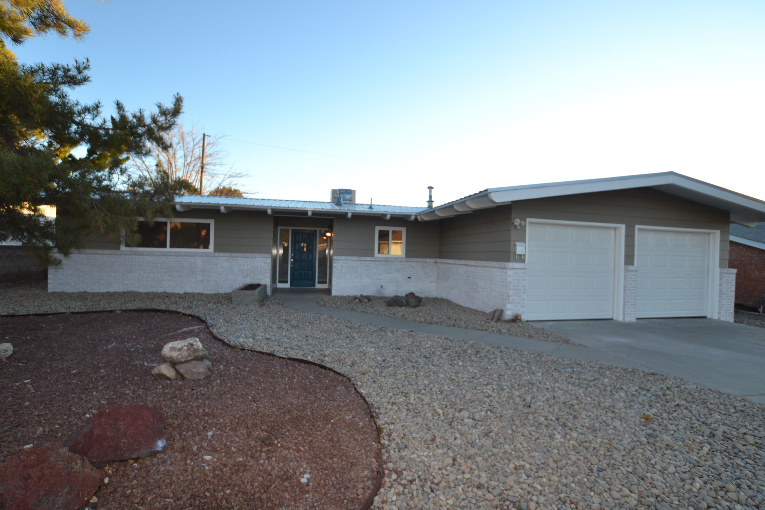 10424 NE Karen Avenue, Albuquerque Northeast Heights, New Mexico 3 Bedroom as one of Homes & Land Real Estate