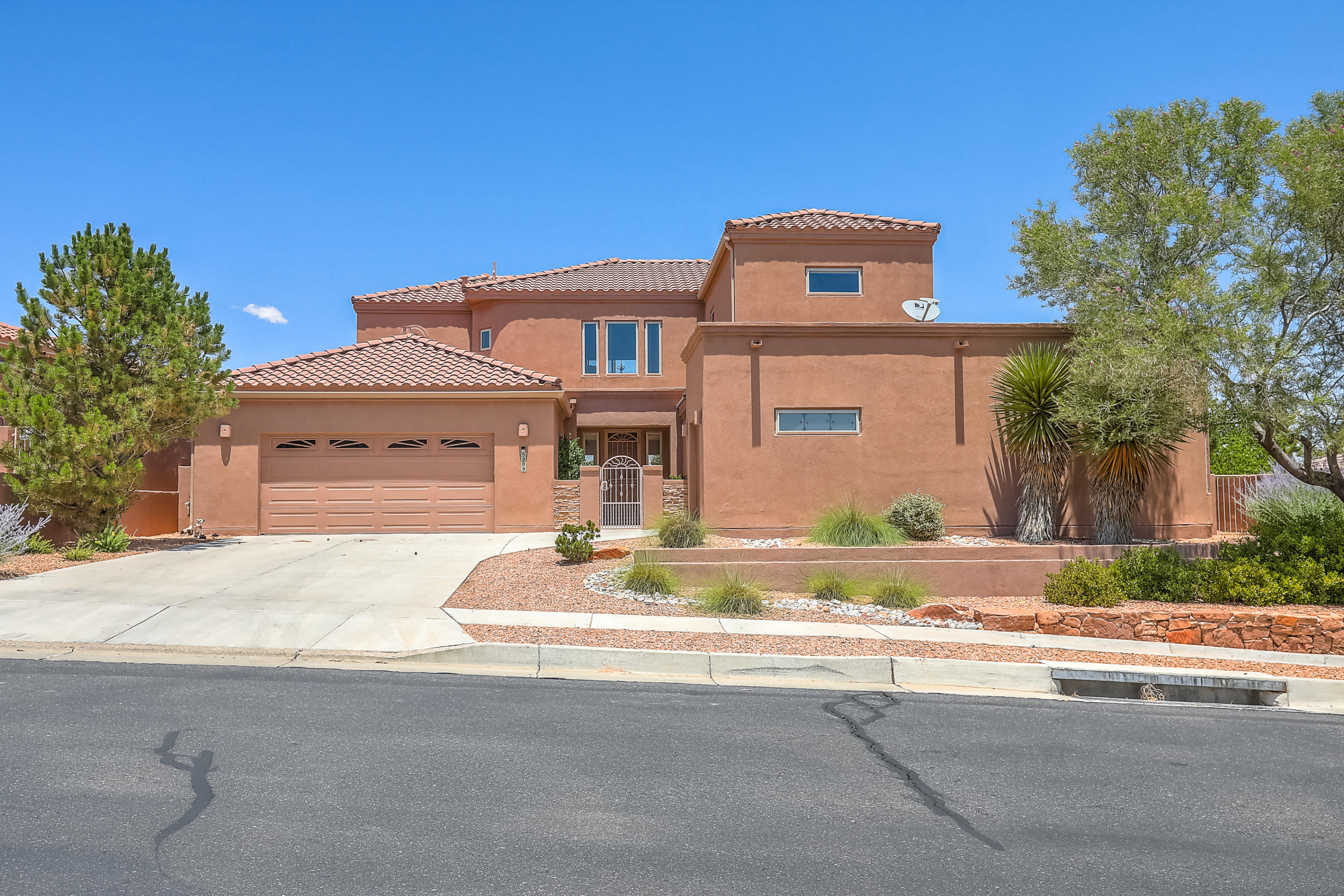 5209 NW Deer Meadow Trail, Northwest Albuquerque and Northwest Heights, New Mexico