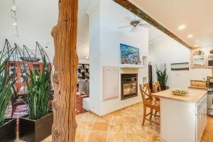 7 ATOLE WAY, PLACITAS, NM 87043  Photo