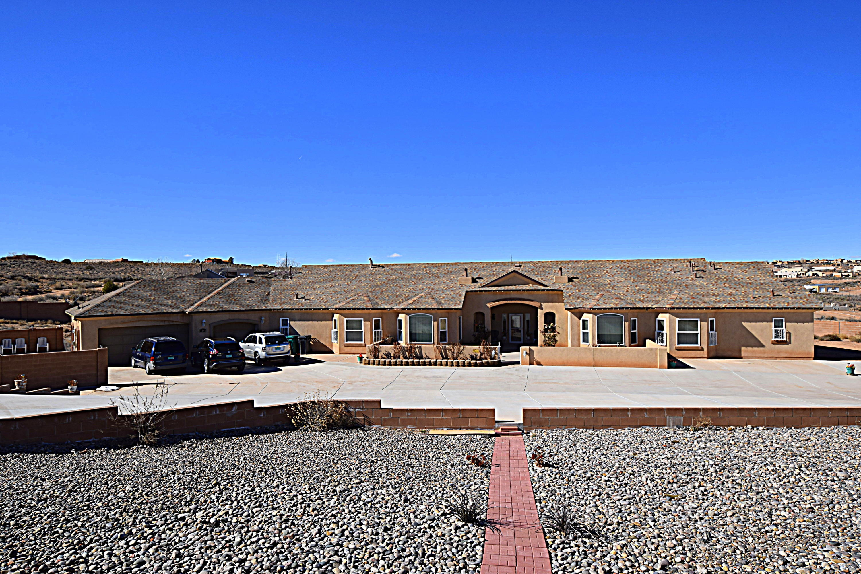 5141 NE Georgia Place, Rio Rancho, New Mexico