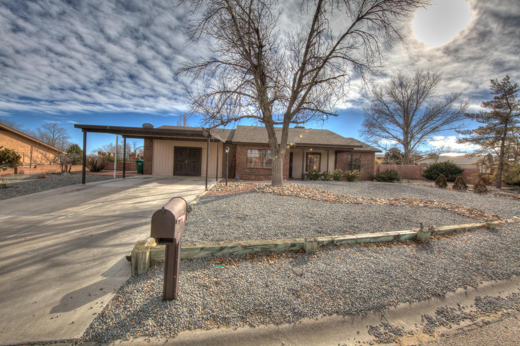 880  Tula Drive, Rio Rancho, New Mexico