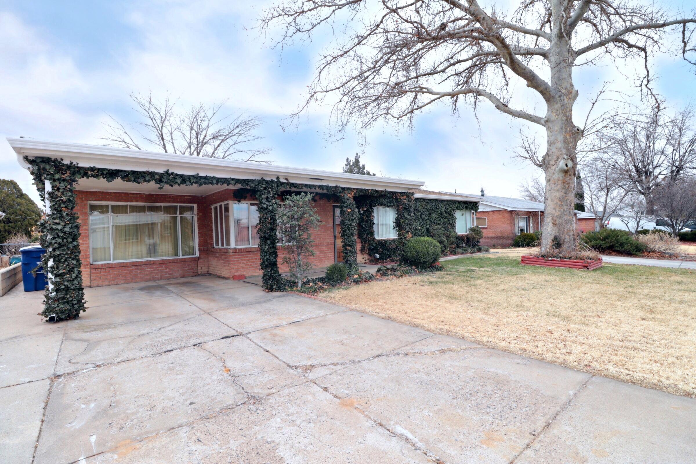 9014 NE Matthew Avenue, Albuquerque Northeast Heights, New Mexico