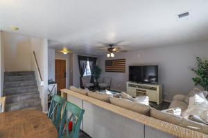 1801 BLACK GOLD ROAD SE, ALBUQUERQUE, NM 87123  Photo