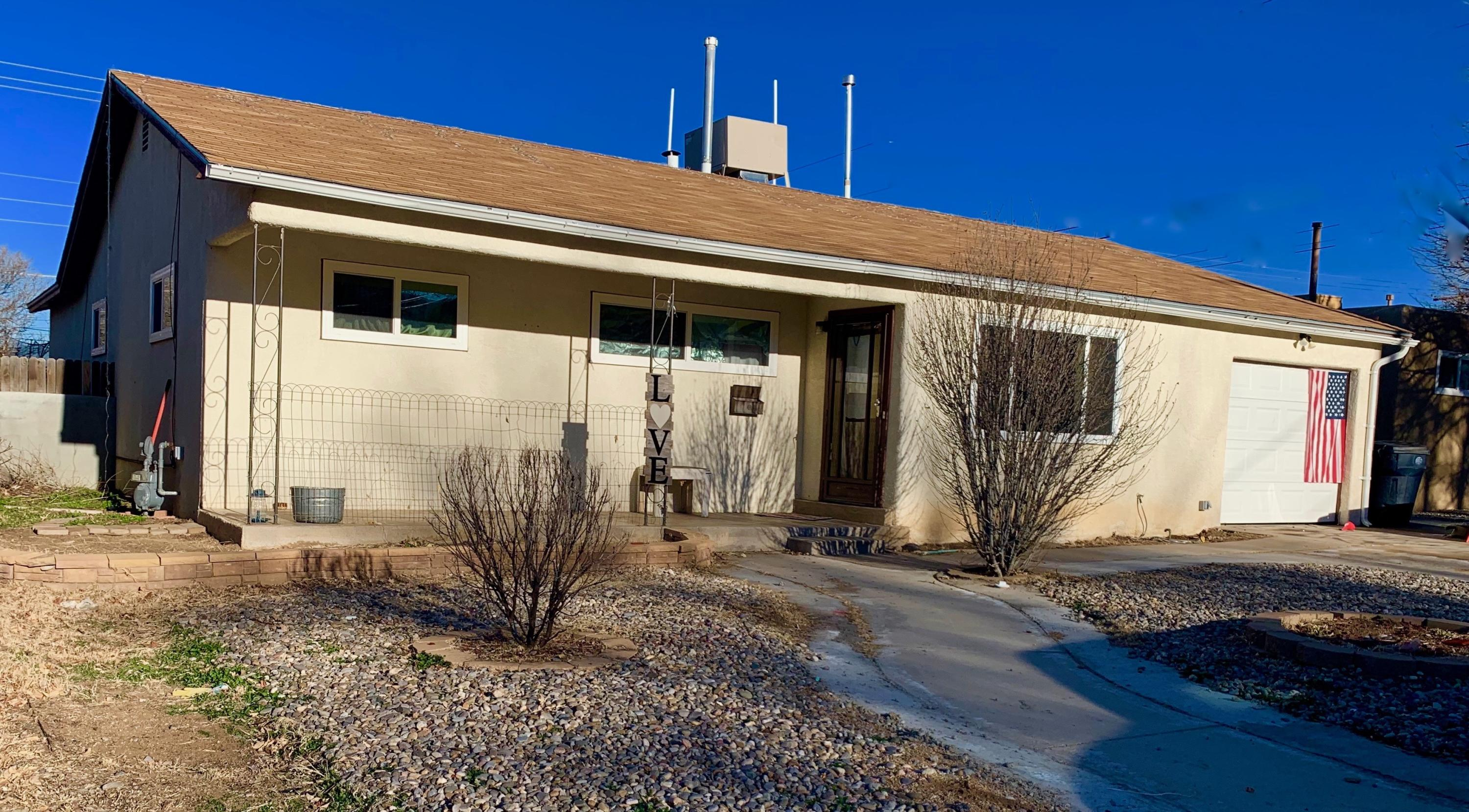 2005 NE Dorothy Street, Albuquerque Northeast Heights in Bernalillo County, NM 87112 Home for Sale