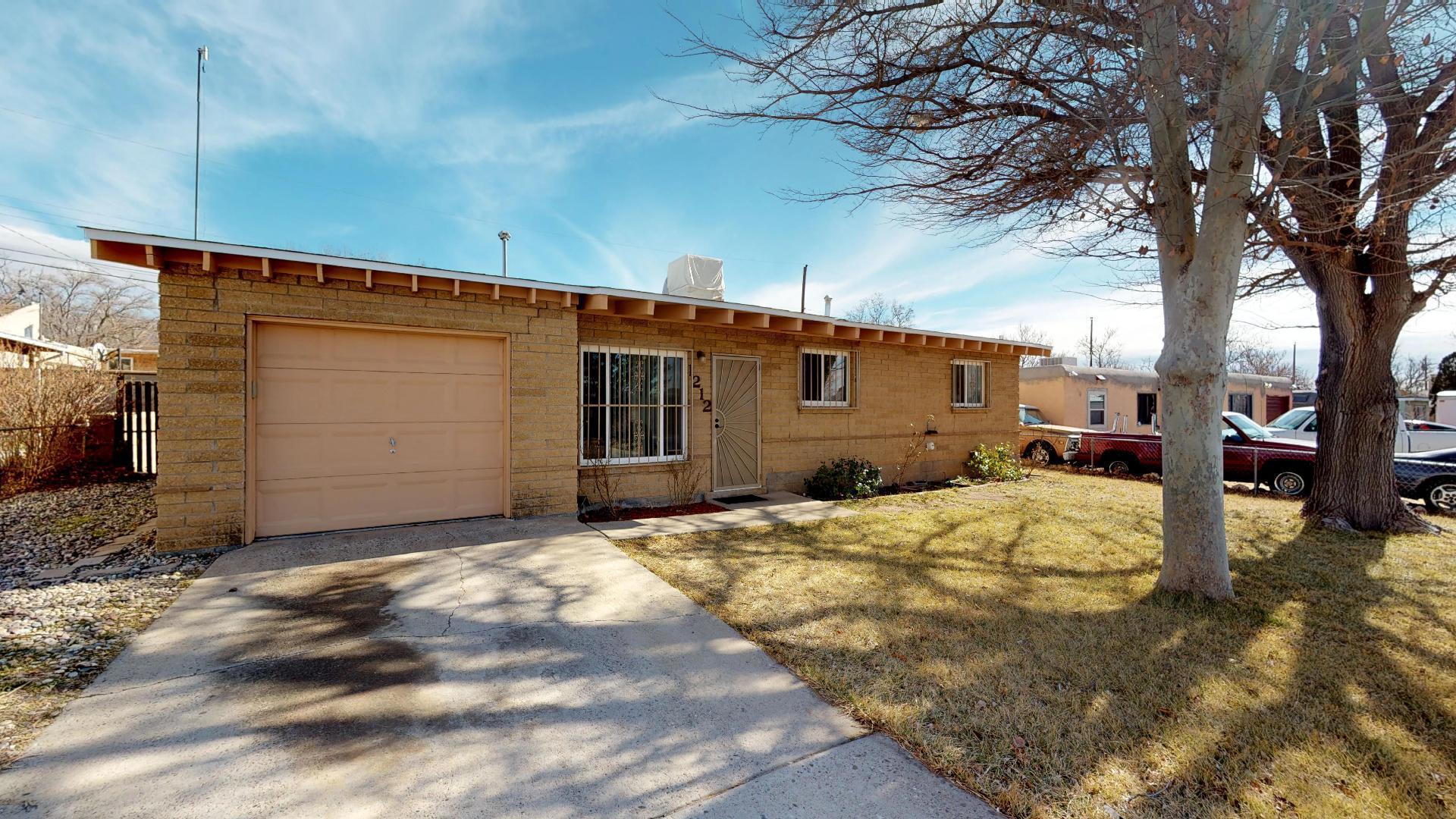 1212 NE Gretta Street, Albuquerque Northeast Heights in Bernalillo County, NM 87112 Home for Sale