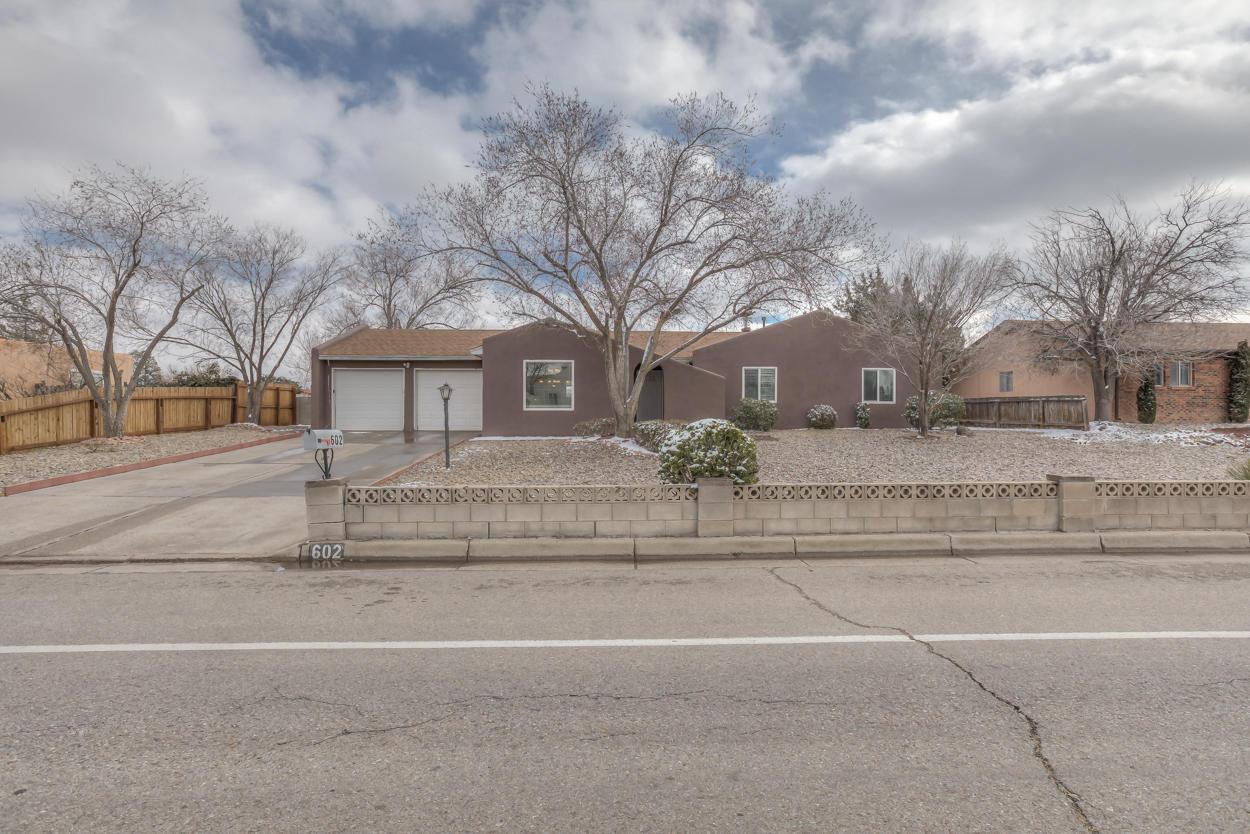 602 SE Villa Verde Drive, Rio Rancho, New Mexico