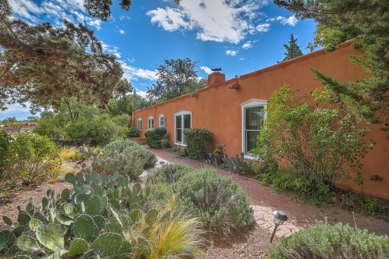 Photo of 1604 Bayita Lane NW, Albuquerque, NM 87107