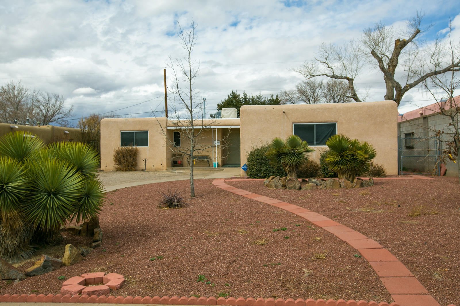 10617 NE Snow Heights Boulevard, Albuquerque Northeast Heights in Bernalillo County, NM 87112 Home for Sale