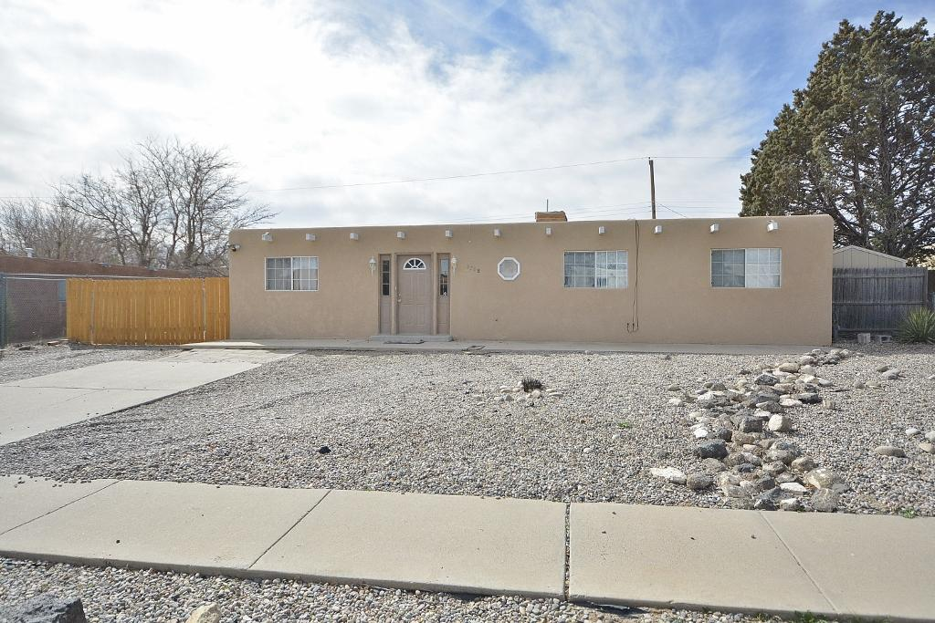 5708 NW Alegria Road, Northwest Albuquerque and Northwest Heights, New Mexico