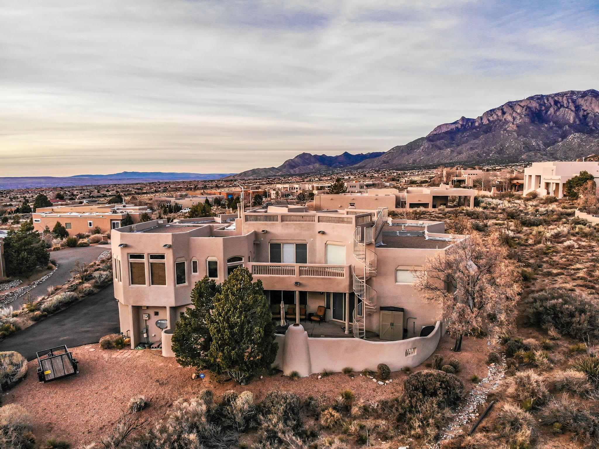 Photo of 4900 Cresta Del Sur Court NE, Albuquerque, NM 87111