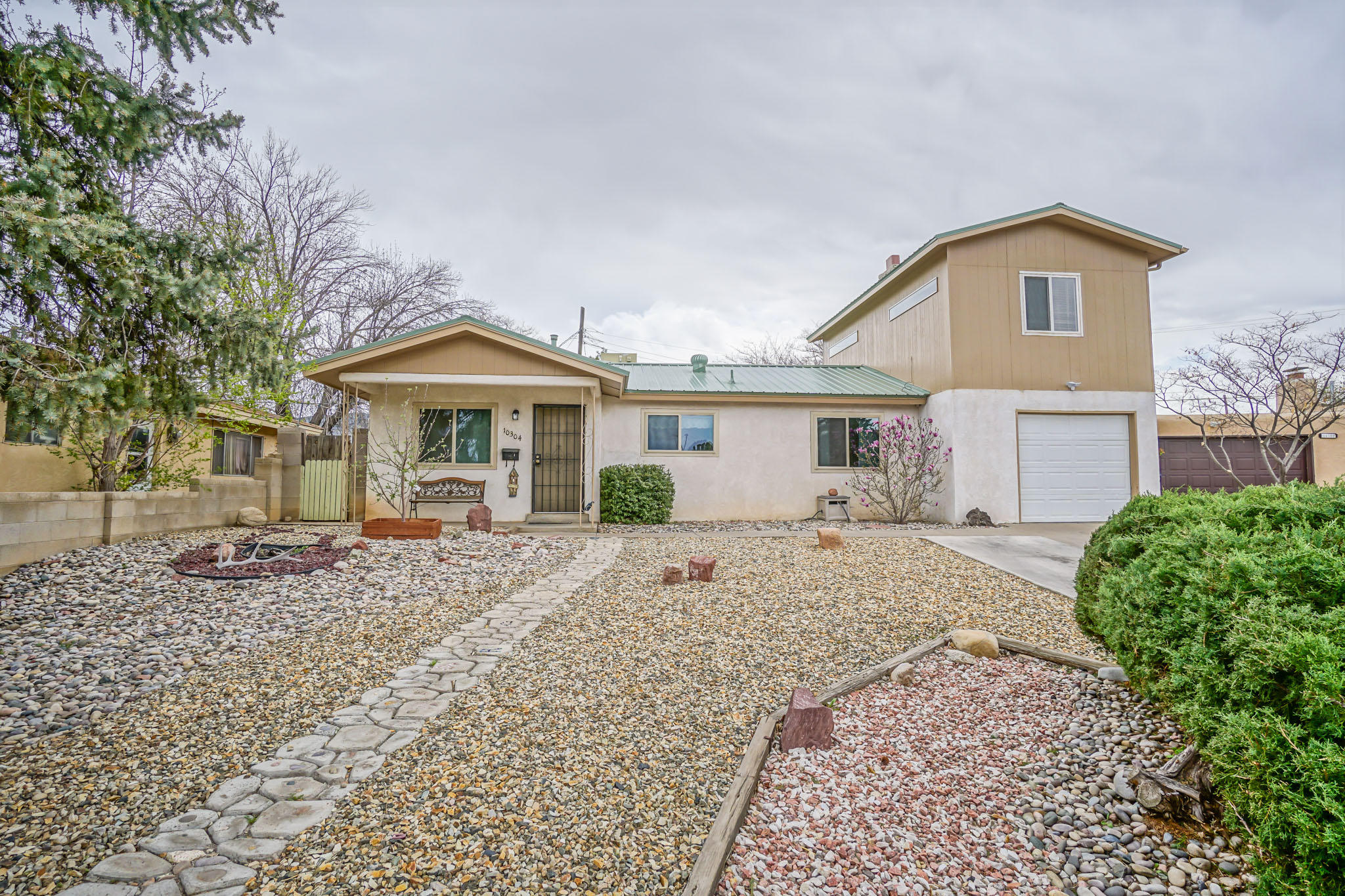10304 NE Stovall Place, Albuquerque Northeast Heights, New Mexico