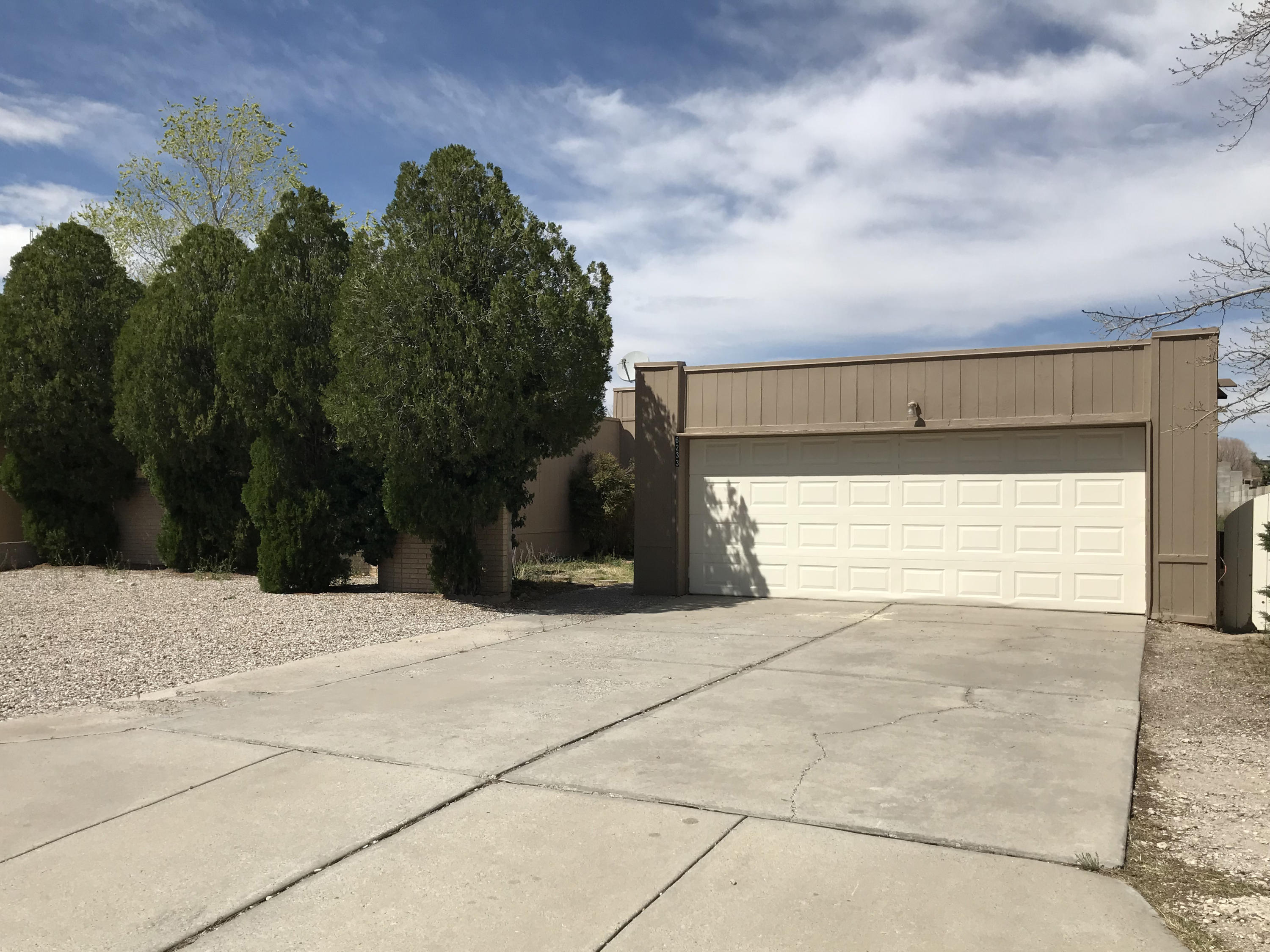 6233 NW Cuesta Place, Northwest Albuquerque and Northwest Heights, New Mexico