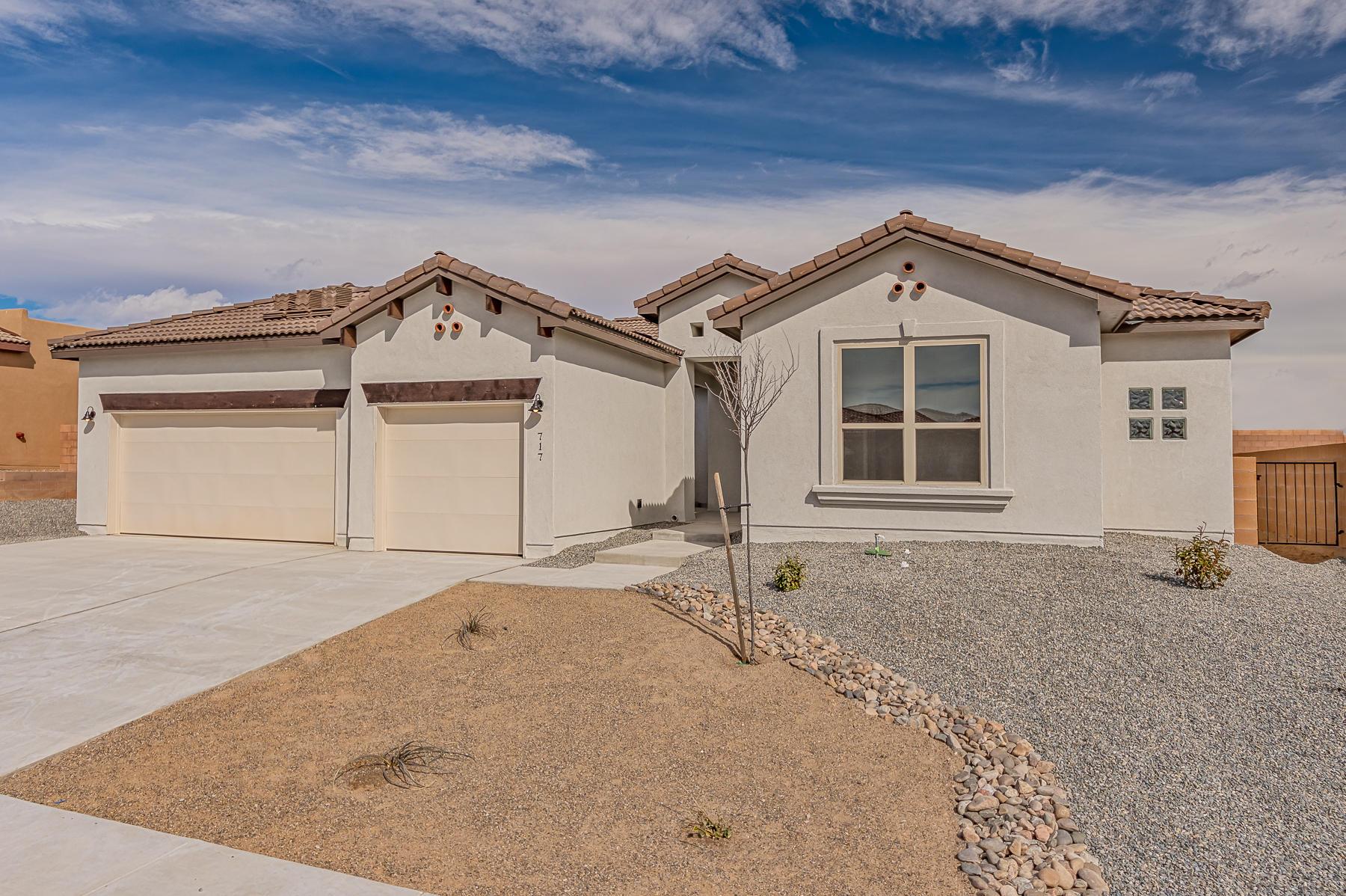 717 NE Tiwa Lane, Rio Rancho, New Mexico
