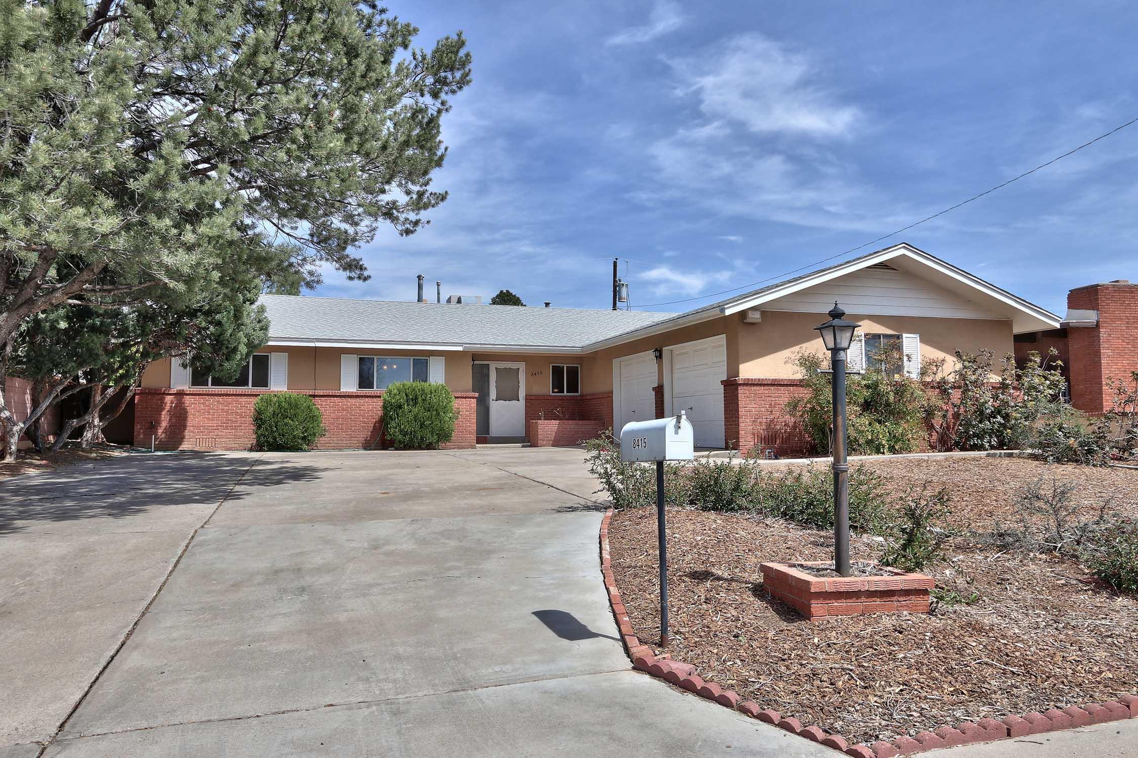 8415 NE La Palomita Road, Albuquerque Northeast Heights, New Mexico