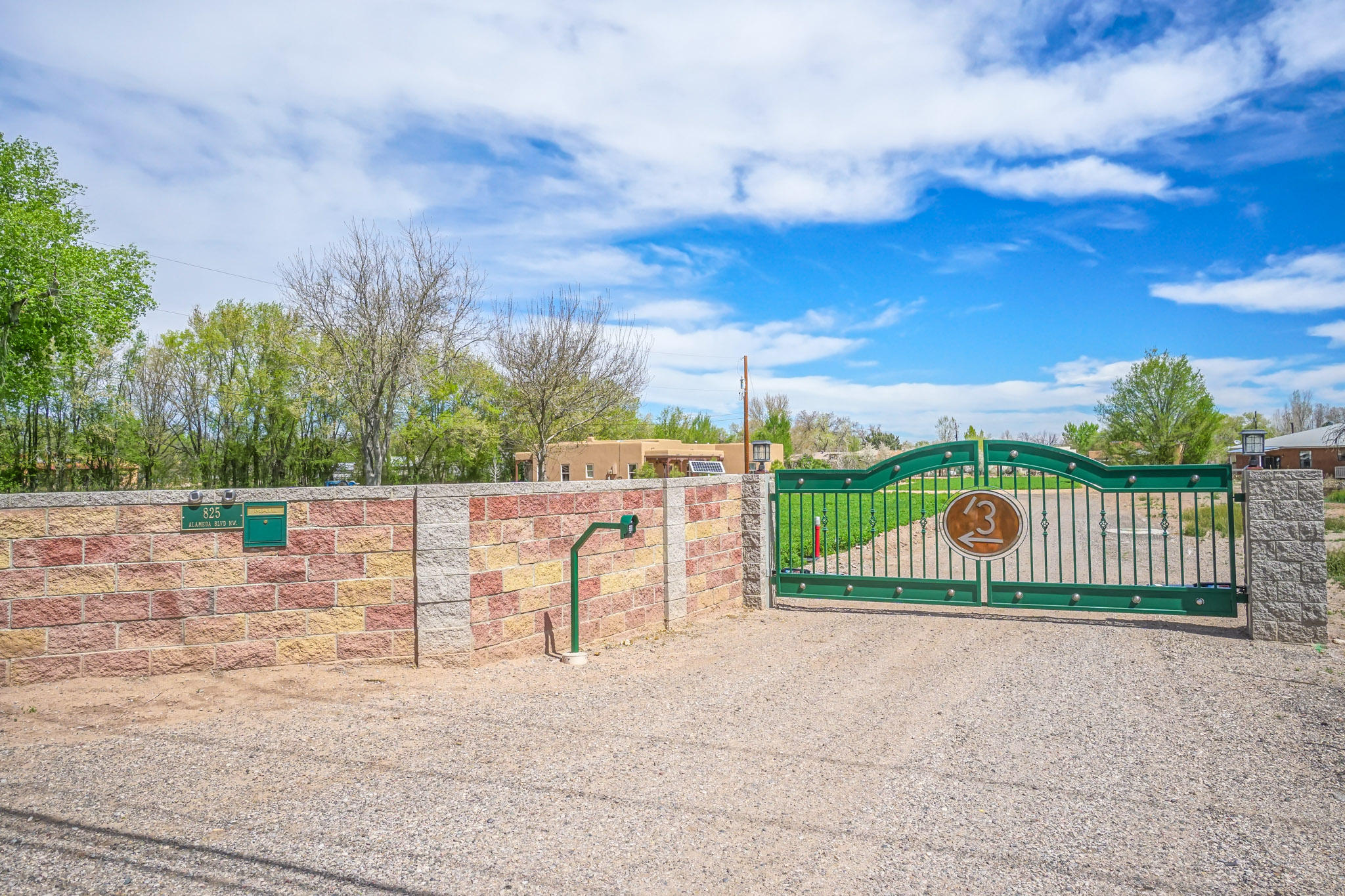 Northwest Albuquerque and Northwest Heights Homes for Sale -  Horse,  825 NW Alameda Boulevard