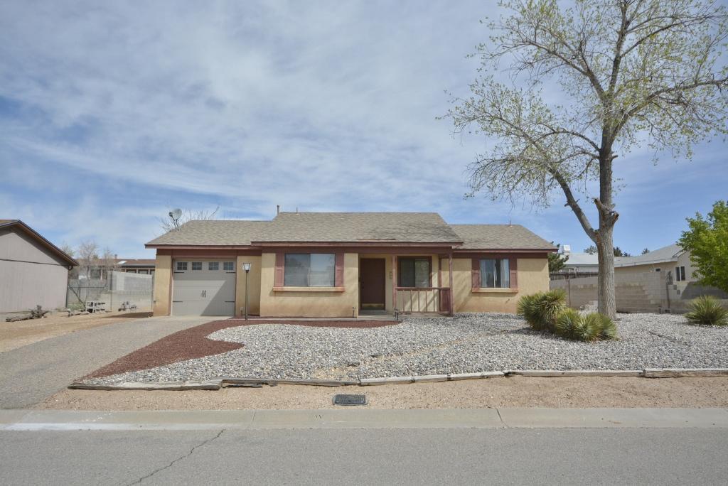 98 SE Saffin Drive, Rio Rancho, New Mexico