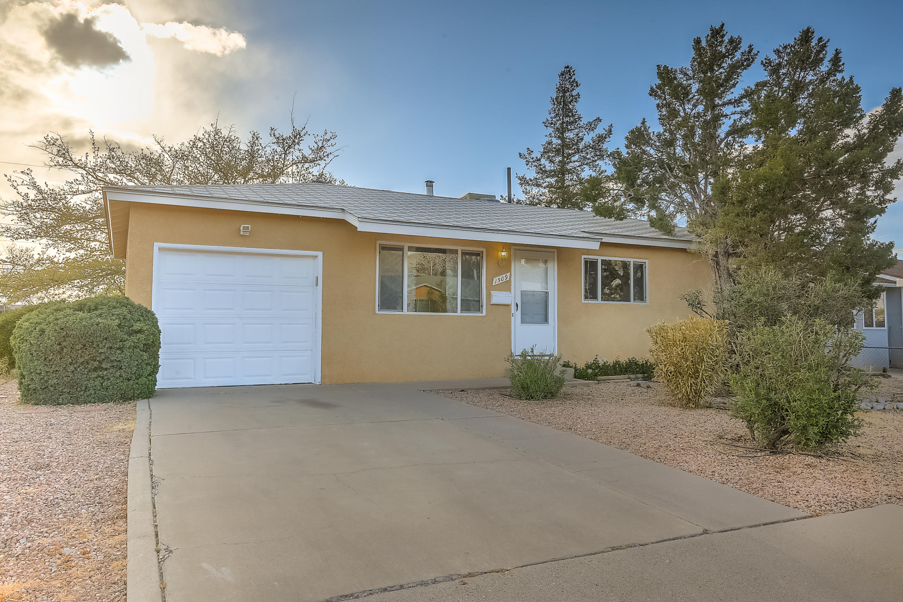 1509 NE Altez Street, Albuquerque Northeast Heights in Bernalillo County, NM 87112 Home for Sale